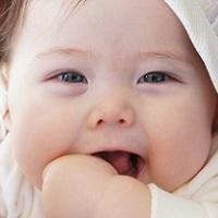 赤ちゃんの声枯れ対処法!原因や受診のタイミングは?