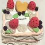 紙粘土貯金箱 ケーキの作り方!小学生女の子の夏休み工作におすすめ