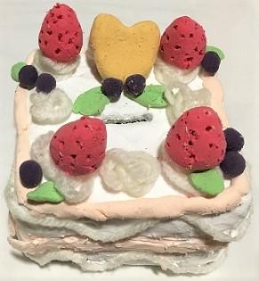 紙粘土 貯金箱 ケーキ 作り方