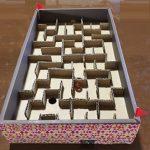 段ボールで迷路を工作 ビー玉コロコロゲームの簡単な作り方を紹介!