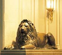 銀座 ライオン像